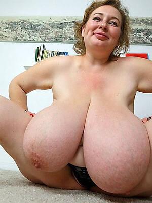 amateur mature big natural tits pictures
