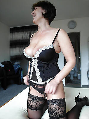 mature womens lingerie por free pictures