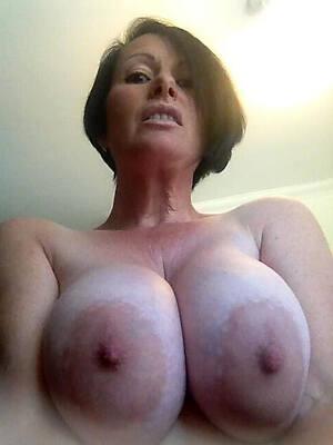hot mature lady boobs porn