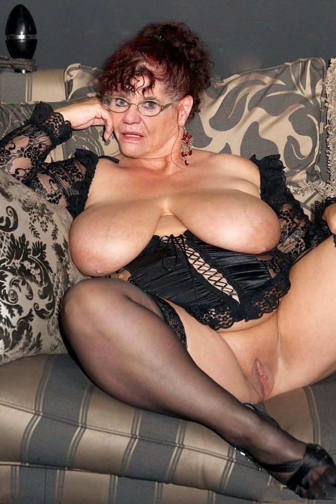 Old ladies nude pics