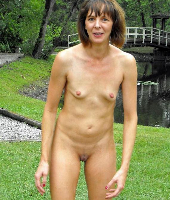 Mature women nude sex
